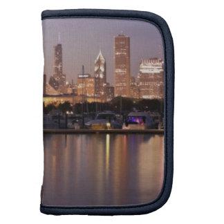USA, Illinois, Chicago skyline at dusk Organizer