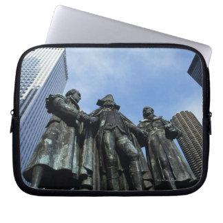 USA, Illinois, Chicago, skyscraper and statue Computer Sleeve