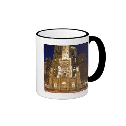 USA, Illinois, Chicago, Water Tower illuminated Mugs