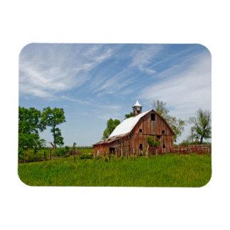USA, Kansas. Old Red Barn Magnet