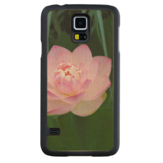 USA, Kansas, Pink Water Lilly Carved® Maple Galaxy S5 Case
