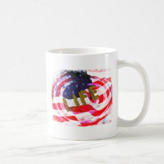 USA -LIFE, LIBERTY & THE PURSUIT OF HAPPINESSS COFFEE MUG