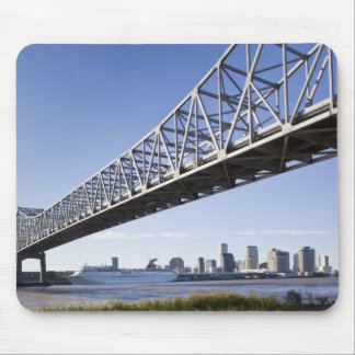 USA, Louisiana, New Orleans. Skyline from the Mouse Pad