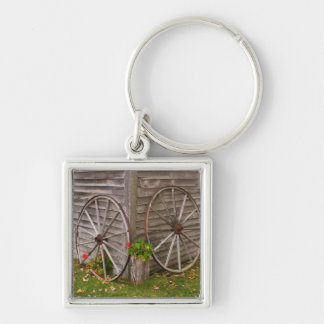 USA, Main. Wagon Wheels Keychain