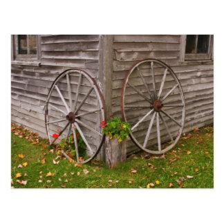 USA, Main. Wagon Wheels Postcard