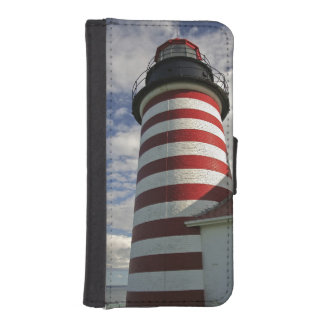 USA, Maine, Lubec. West Quoddy Head LIghthouse iPhone SE/5/5s Wallet Case
