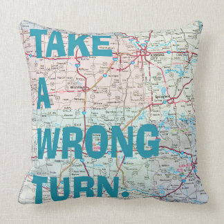 USA map with inspirational quote Throw Pillow