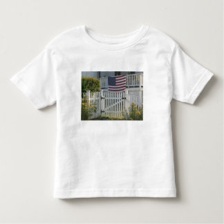 USA, Massachusettes, Gloucester: Patriotic Fence Toddler T-shirt