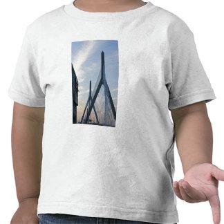 USA, Massachusetts, Boston. The Zakim Bridge. 2 Tshirt