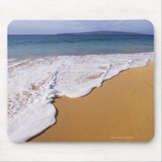 USA, Maui, Wailea, surf and shoreline Mouse Pad