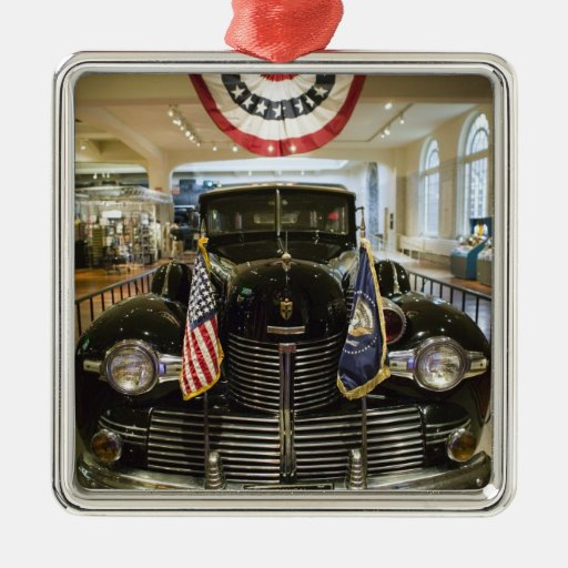 USA, Michigan, Dearborn: The Henry Ford Museum, Christmas Tree Ornament