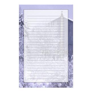 USA, Michigan, Rochester Hills. Snowy blue Stationery