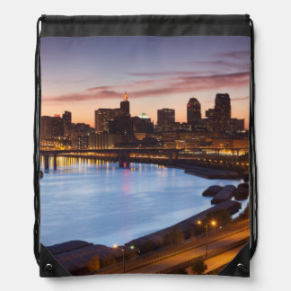 USA, Minnesota, Minneapolis, St. Paul 2 Drawstring Backpack