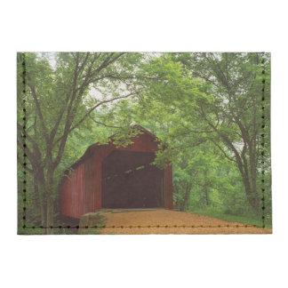 USA, Missouri, Jefferson County, Sandy Creek Tyvek® Card Case Wallet
