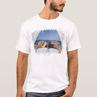 USA, New Jersey, Jersey City, Portrait of young T-Shirt