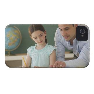 USA, New Jersey, Jersey City, teacher helping iPhone 4 Cover