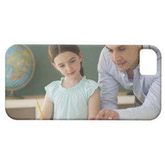 USA, New Jersey, Jersey City, teacher helping iPhone 5 Case