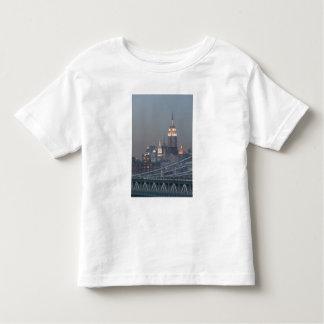 USA, New York City, View of Manhattan Bridge, Toddler T-shirt