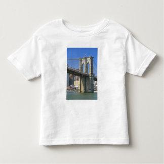 USA, New York, New York City. Brooklyn Bridge T-shirts