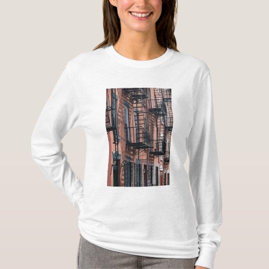 USA, New York, New York City, Brooklyn: Cobble T-Shirt