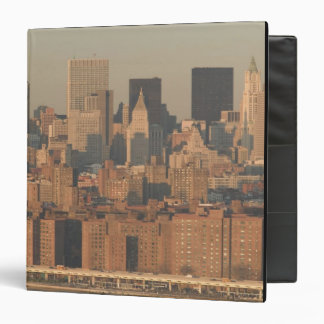 USA, New York, New York City, Manhattan: 12 Binder