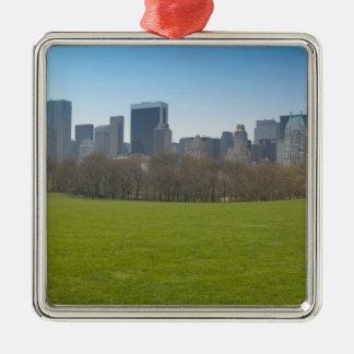 USA, New York, New York City, Manhattan: 18 Christmas Tree Ornaments