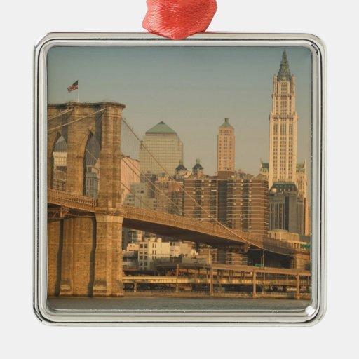 USA, New York, New York City, Manhattan: 9 Square Metal Christmas Ornament