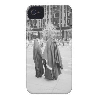 USA, NEW YORK: New York City Nuns Watching NYC iPhone 4 Cover
