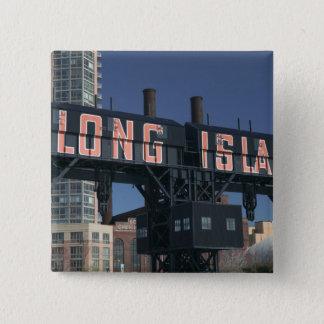 USA, New York, New York City, Queens: Long Button