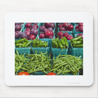 USA, New York State, New York, Vegetables and Mouse Pad