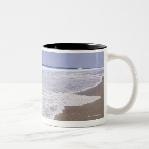 USA, North Carolina, Outer Banks, Kill Devil 5 Two-Tone Coffee Mug