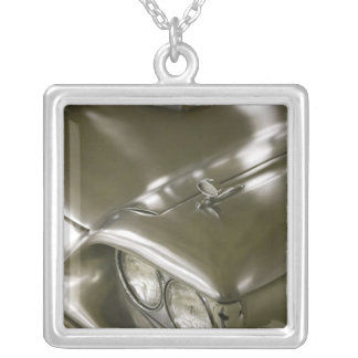 USA, Ohio, Cleveland: Western Reserve Historical Silver Plated Necklace