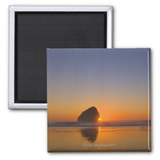 USA, Oregon, beach with stack rock Magnet