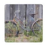USA, Oregon, Bend. A dilapidated old bike Puzzle Coaster
