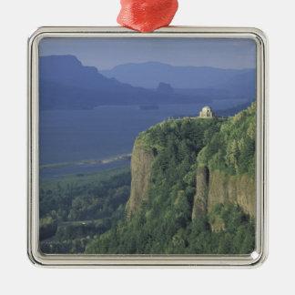 USA, Oregon, Columbia River Gorge NSA. View of Metal Ornament