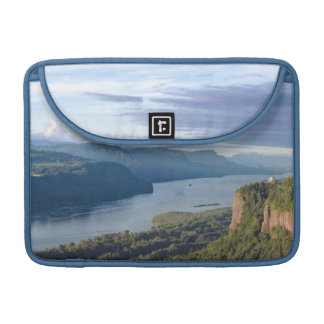 USA, Oregon, Columbia River Gorge, Vista House MacBook Pro Sleeve