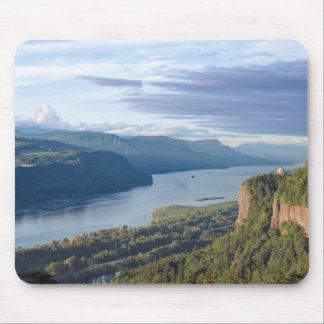 USA, Oregon, Columbia River Gorge, Vista House Mouse Pad