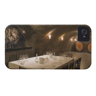 USA, Oregon, Dundee. Dining room in Archery iPhone 4 Case-Mate Case
