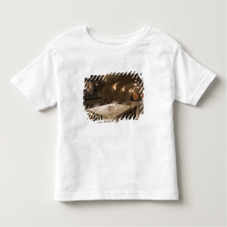 USA, Oregon, Dundee. Dining room in Archery Toddler T-shirt