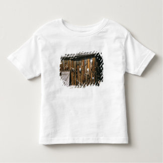 USA, Oregon, Harney County. Old livery stable Toddler T-shirt