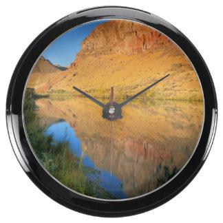 USA, Oregon, Owyhee River Canyon Fish Tank Clock