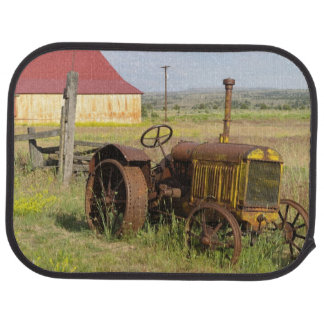 USA, Oregon, Shaniko. Rusty vintage tractor in Car Floor Mat