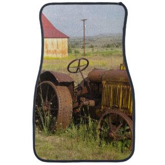 USA, Oregon, Shaniko. Rusty vintage tractor in Car Mat