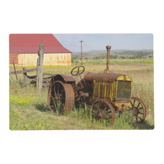 USA, Oregon, Shaniko. Rusty vintage tractor in Laminated Placemat