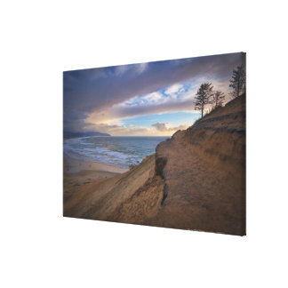 USA, Oregon, Tillamook County, Cape Kiwanda and Canvas Print