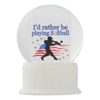 USA SOFTBALL PLAYER LOVES SOFTBALL DESIGN SNOW GLOBE