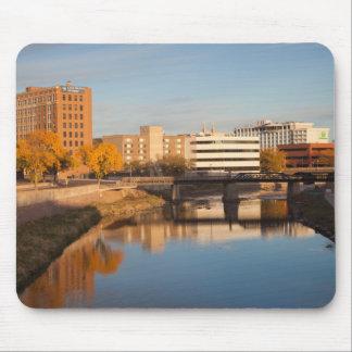 USA, South Dakota, Sioux Falls, City Skyline Mouse Pad