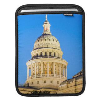 USA, Texas, Austin. Capitol Building (1888) 2 iPad Sleeve