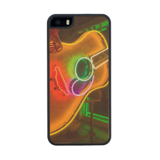 USA, Texas, Austin. Neon Guitar At Blackmail Wood iPhone SE/5/5s Case