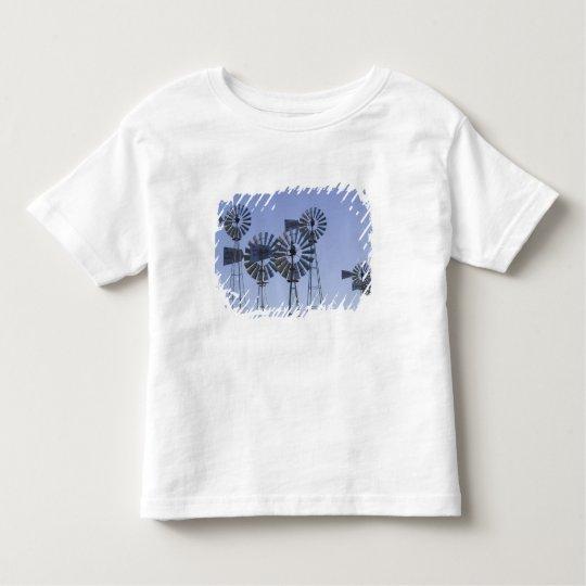 USA, TEXAS, Lubbock: American Wind Power Center Toddler T-shirt